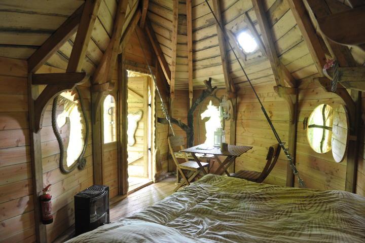 photos de la cabane fer cheval. Black Bedroom Furniture Sets. Home Design Ideas